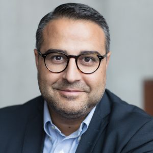 Arash Noujoumi porträtt