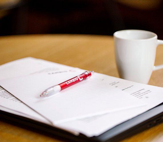 Cambio-pen-paper